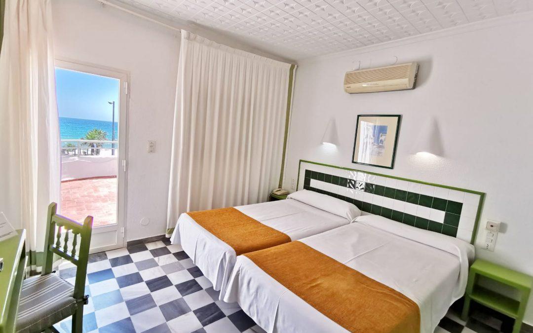 H. El Puntazo * – Doble con vista al mar con alojamiento y desayuno no reembolsable
