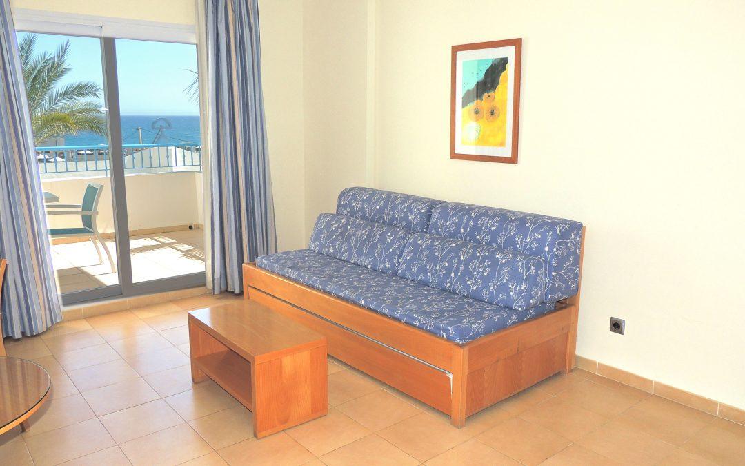 H. Punta del cantal – Habitación superior con terraza solo alojamiento no reembolsable